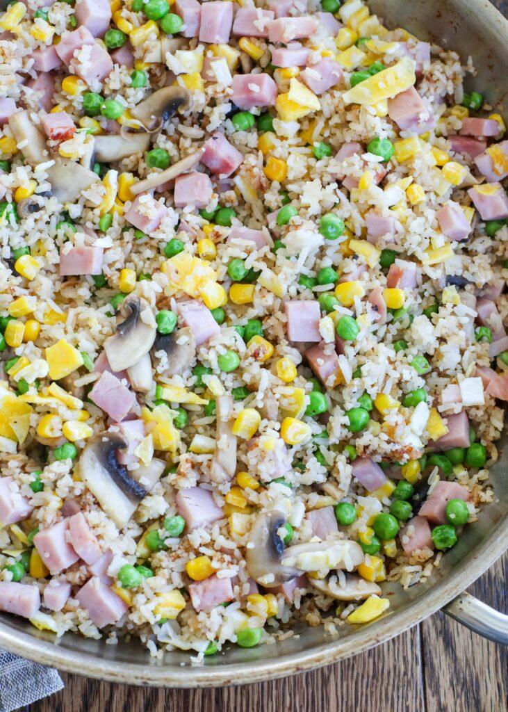 ¡Prepara arroz frito en casa que es mejor que para llevar!