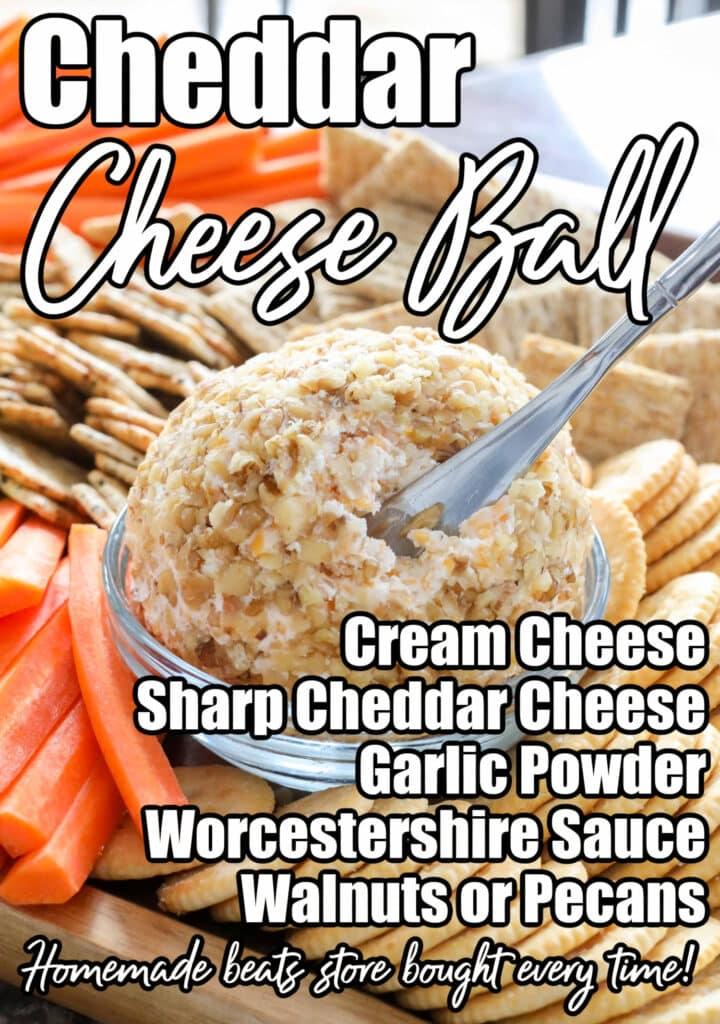 ¡Una clásica bola de queso cheddar es un bocadillo que nadie puede resistir!